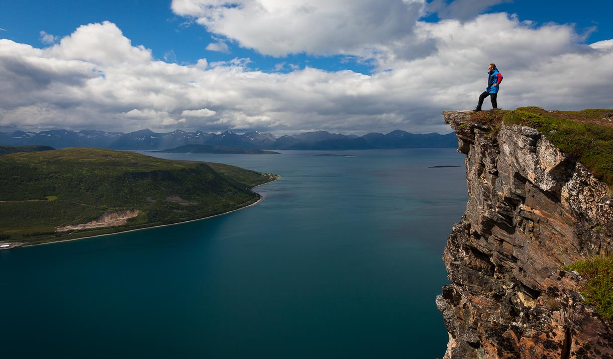 Hiking to Mount Keipen